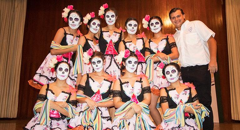 Alumnas del Colegio Lizardi. Equipo de baile moderno.